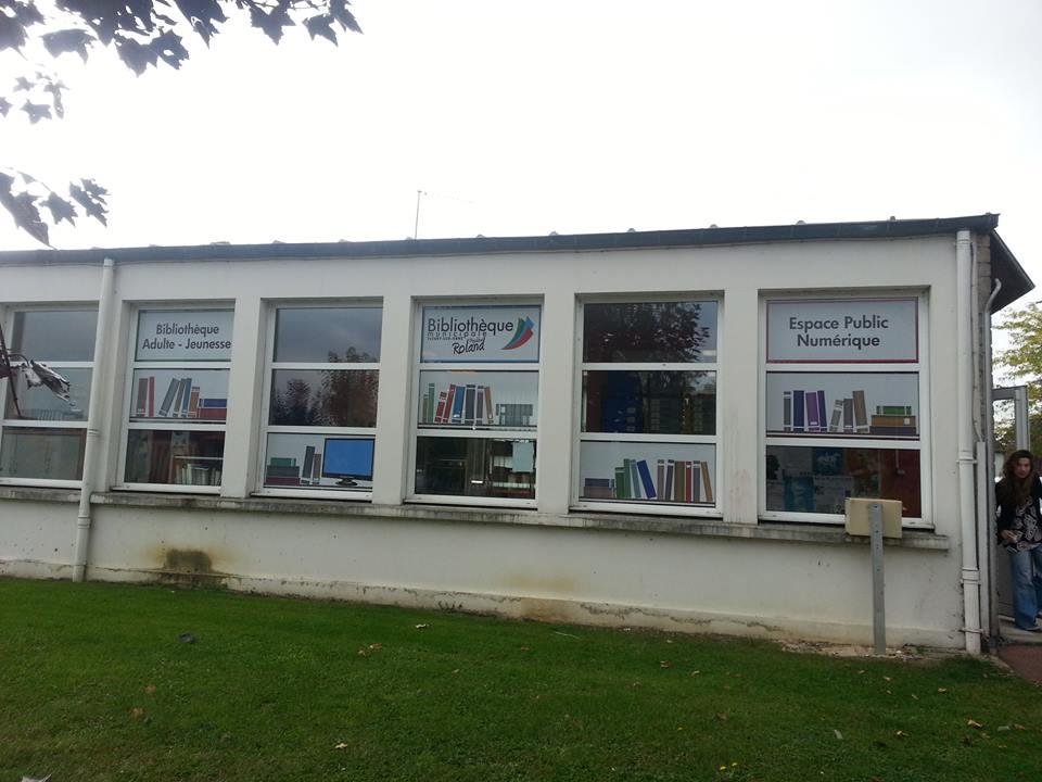 Les vitres de la bibliothèque s'habillent
