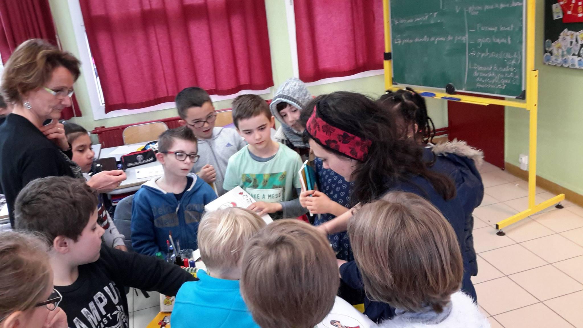Les écoliers rencontrent les auteurs
