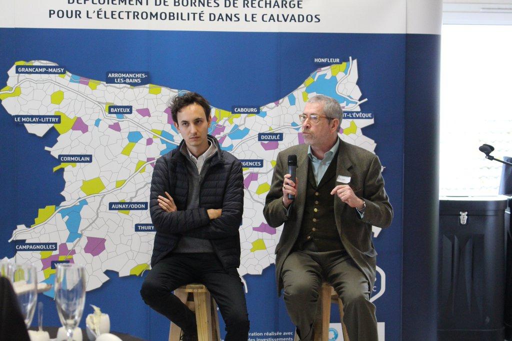 Édouard Vallet et Jacques Favier présentent les blockchain